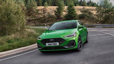 Thumb 2021 ford focus st outdoor 01