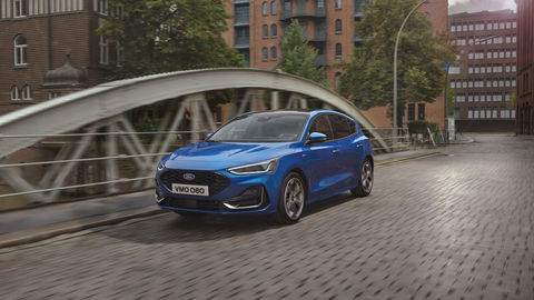 Thumb 2021 ford focus st line outdoor 01