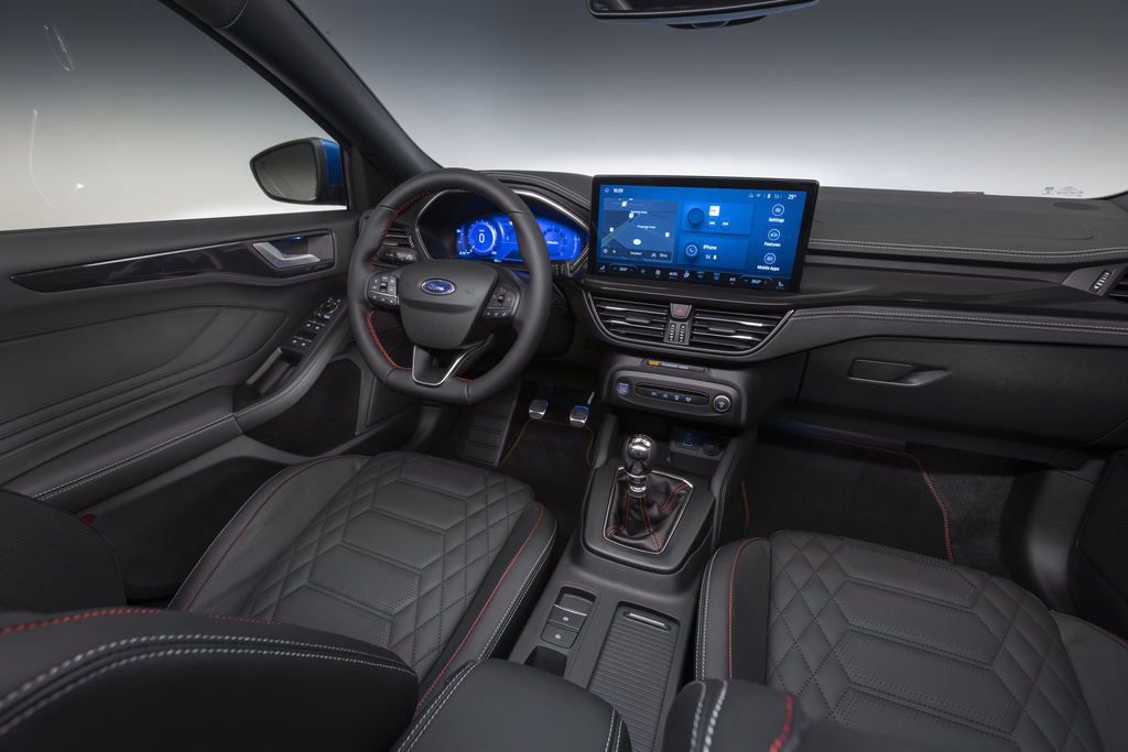 Content 2021 ford focus st line interior 04