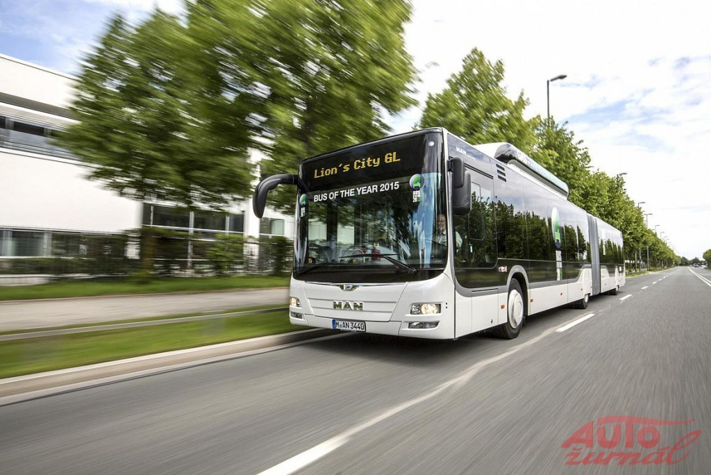 Content 76002 large bus of the year 2015