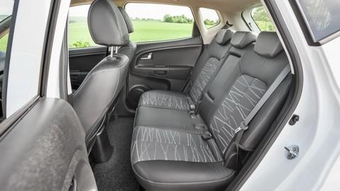Thumb 93227 large kia venga male auto s priestorom kompaktu dostalo lepsi interier