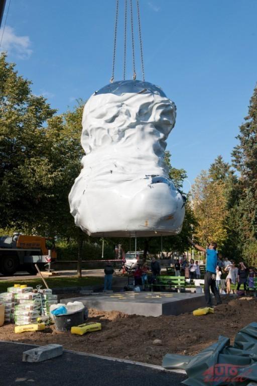 Content 51603 large chevrolet sculpture 288506 medium