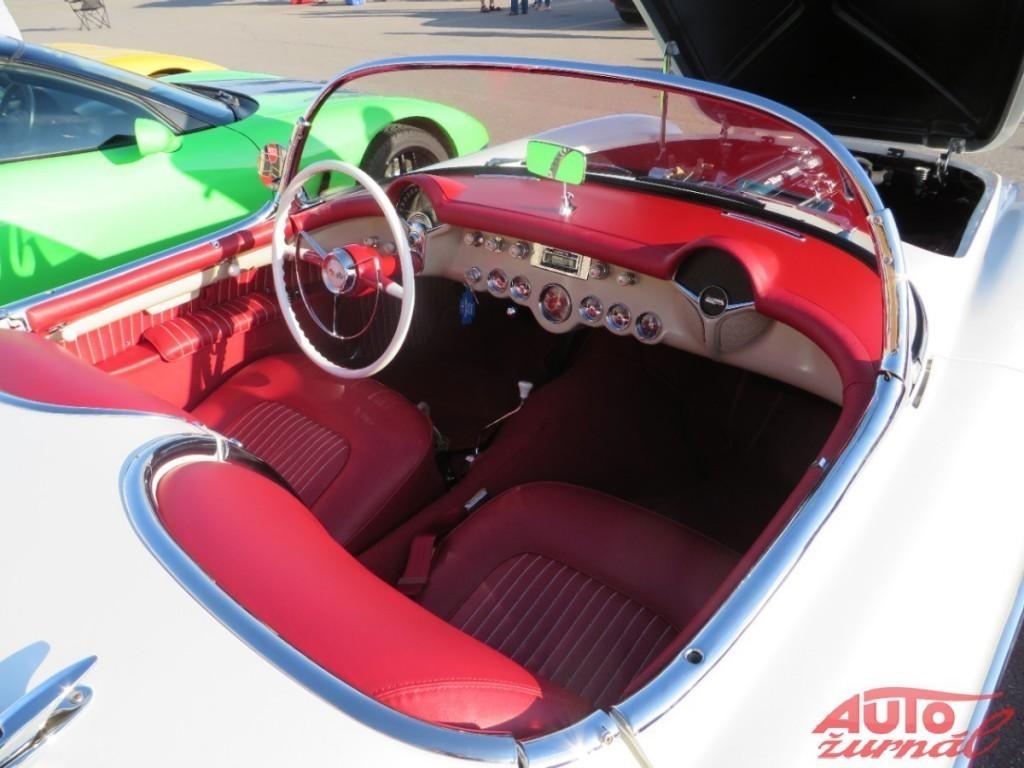 Content 42066 large chevrolet corvette 60thanniv event 02 medium