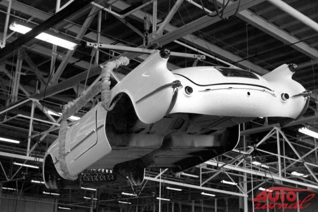 Content 42062 large 1953 chevrolet corvette assembly 03 medium