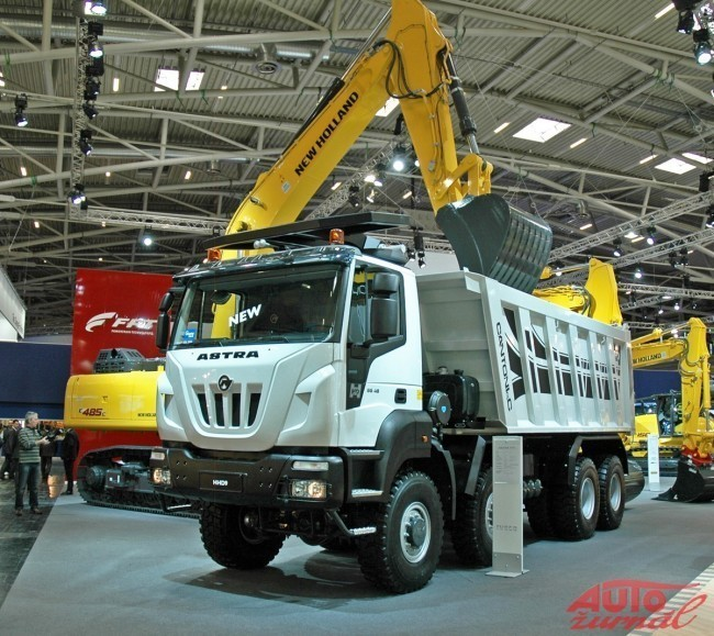 Content iveco astra 650x579
