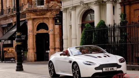 Thumb 21565 large aston martin v12 vantage roadster1