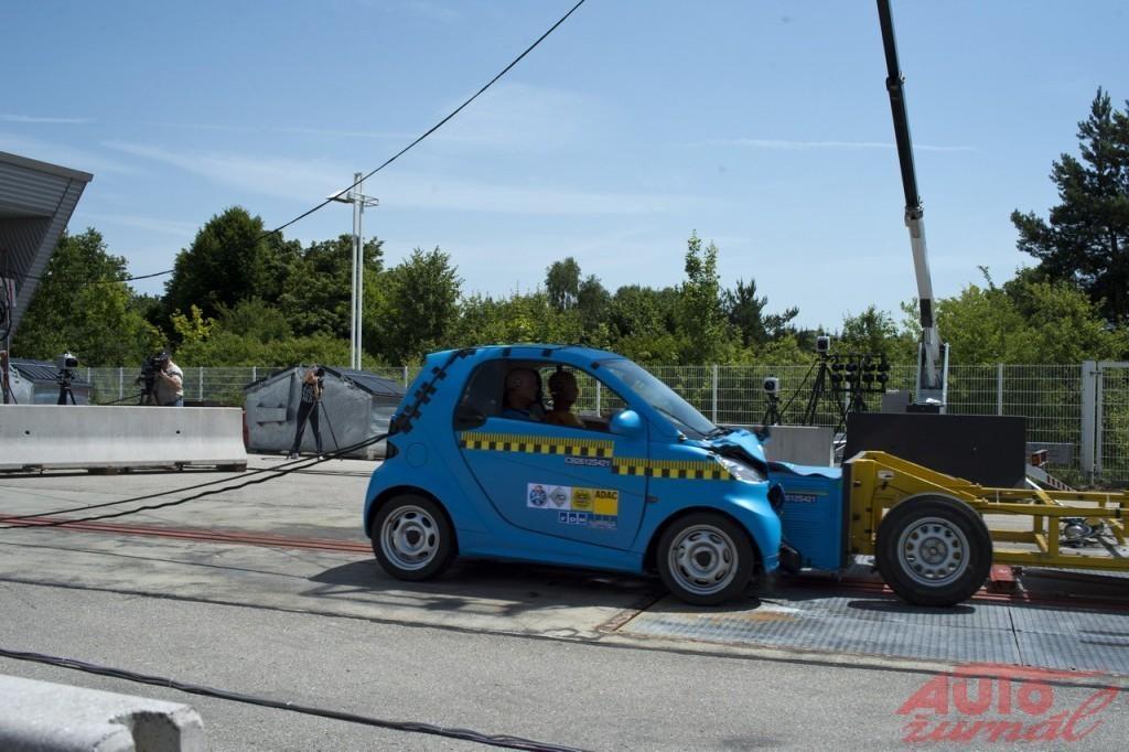 Content 20882 large crash test smart 015
