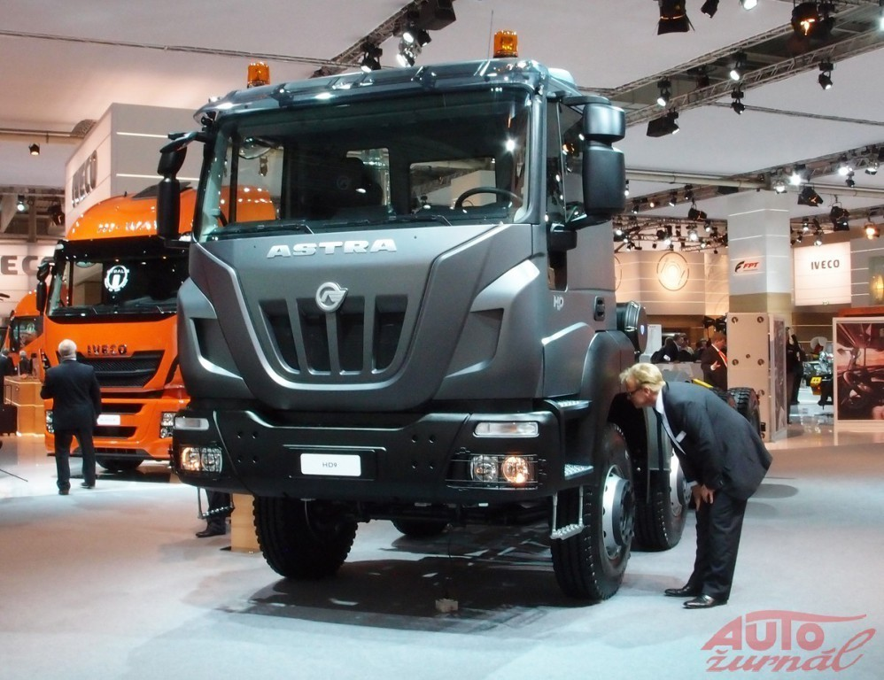 Content 25354 large iveco astra