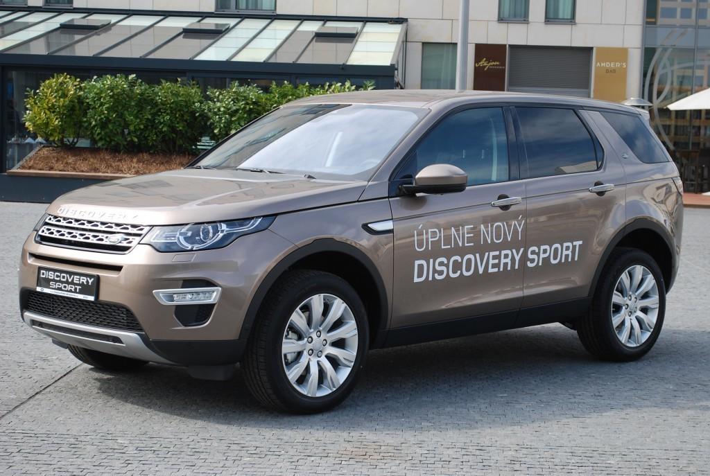 Content 86605 large land rover discovery sport je uz v predpredaji