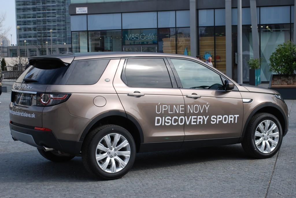 Content 86603 large land rover discovery sport je uz v predpredaji