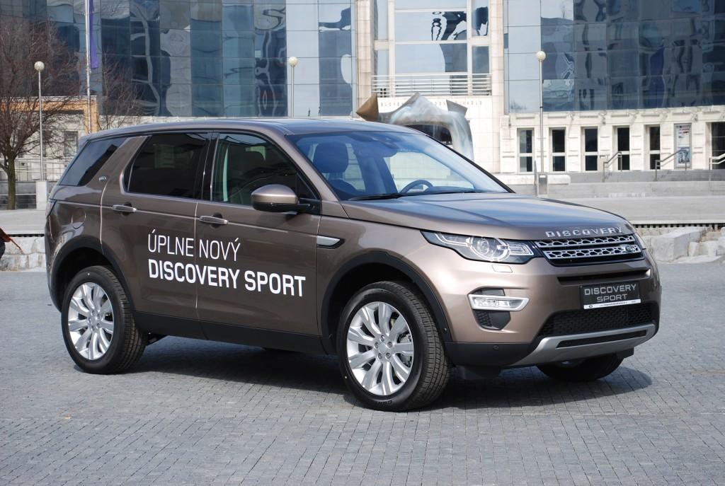 Content 86601 large land rover discovery sport je uz v predpredaji