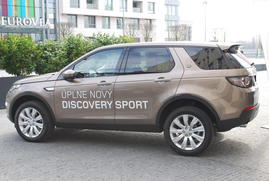 Content 86599 large land rover discovery sport je uz v predpredaji