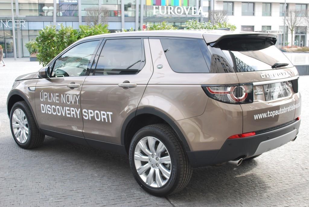 Content 86598 large land rover discovery sport je uz v predpredaji