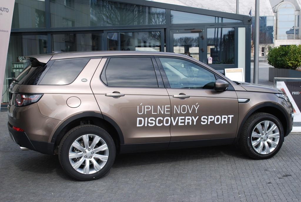 Content 86595 large land rover discovery sport je uz v predpredaji