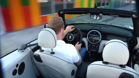 Thumb mini cabrio int