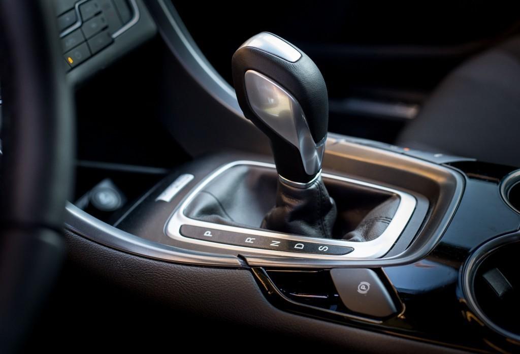 Content 86281 large motoring novy ford mondeo oslovi jazdou aj dynamickymi led svetlami