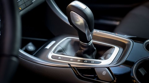 Thumb 86281 large motoring novy ford mondeo oslovi jazdou aj dynamickymi led svetlami