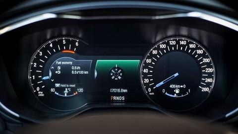 Thumb 86276 large motoring novy ford mondeo oslovi jazdou aj dynamickymi led svetlami