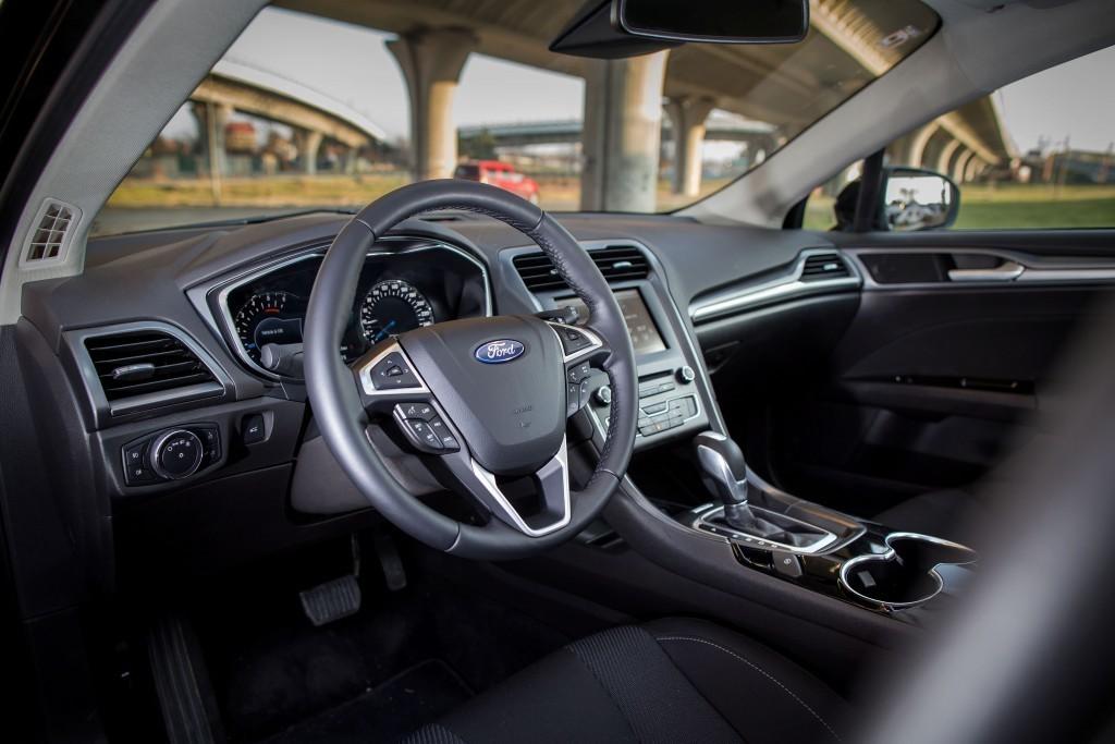Content 86275 large motoring novy ford mondeo oslovi jazdou aj dynamickymi led svetlami