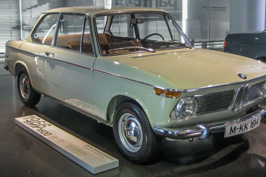 Content 1966 bmw 1600 2 in bmw museum