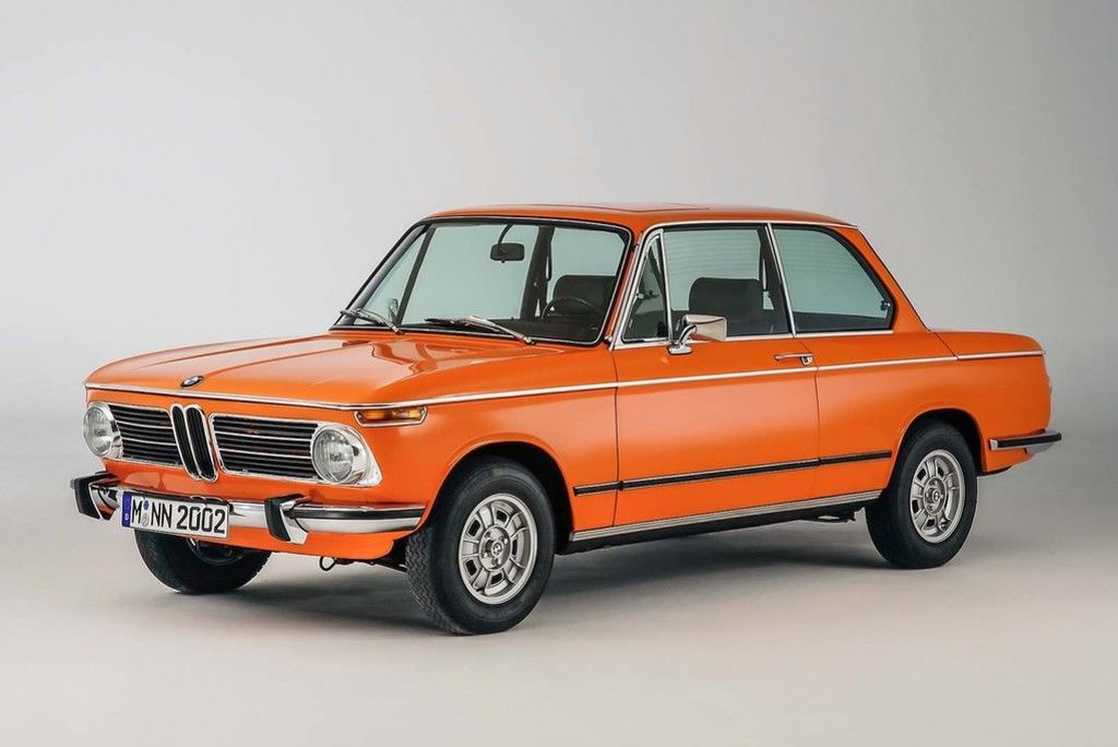 Content bmw 2002 tii reconstructed side angle studio 1920x1440