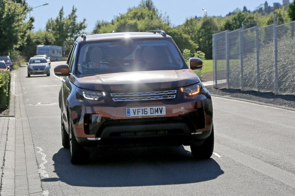 Content land rover discovery 001
