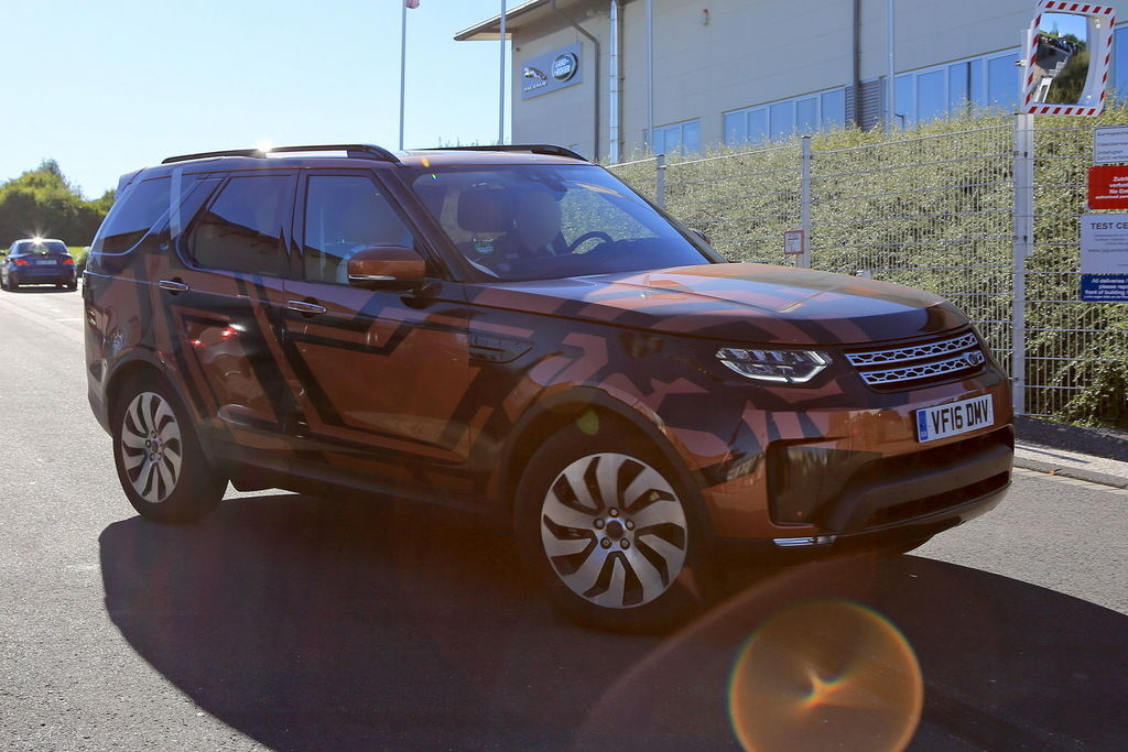 Content land rover discovery 004