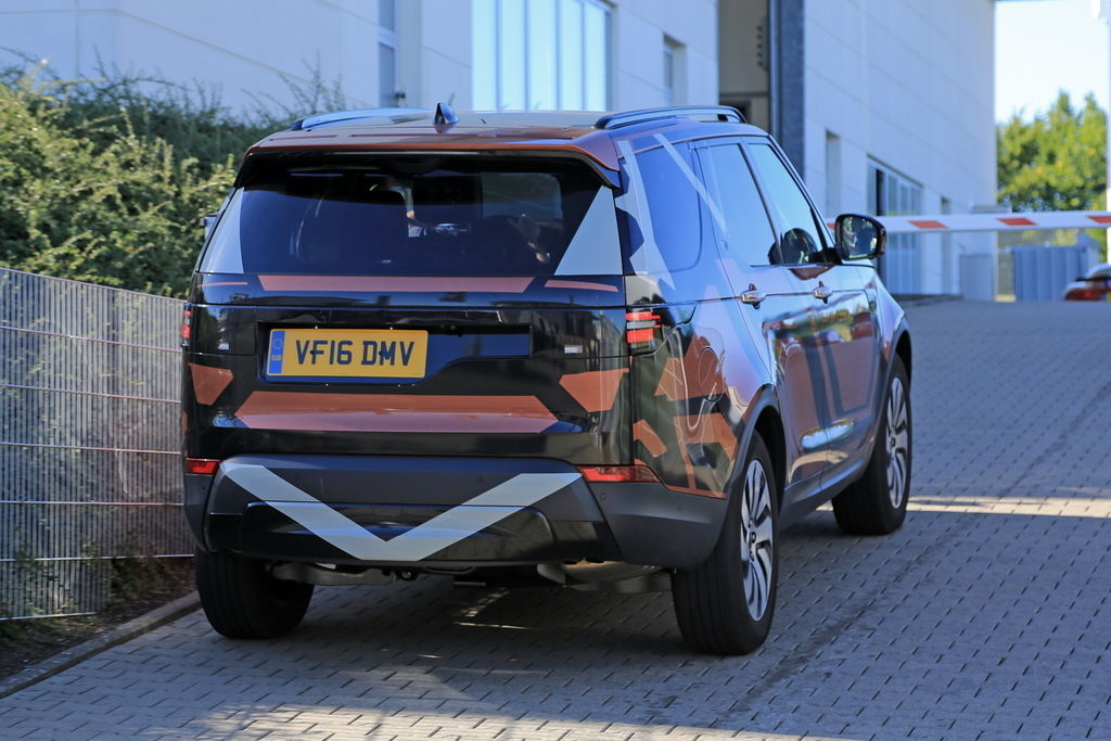 Content land rover discovery 010
