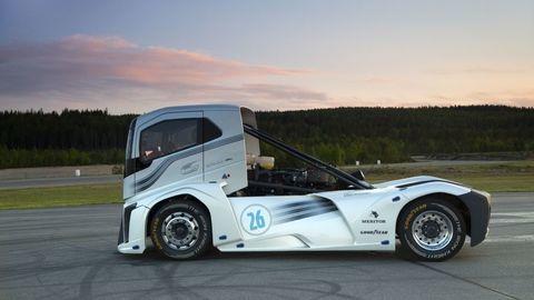 Thumb volvo trucks the iron knight t2016 0323
