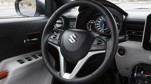 Thumb interior   steering wheel