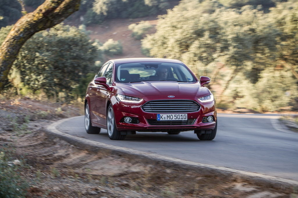 Content ford mondeo hatchback 13