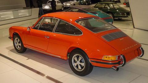 Thumb 1970 porsche 911 prototype 4 seater museum rear 0