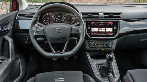 Thumb seat volant 32