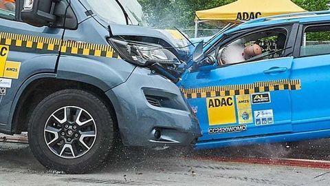 VIDEO: Crash test karavanu ukazuje veľkú slabinu obytných áut