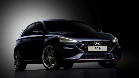 """Modernizovaný Hyundai i30 N láka na """"kanóny"""" výfuku a 8-st. automat"""