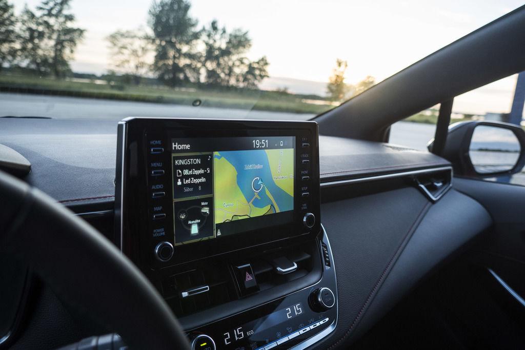 Toyota Apple CarPlay Android Auto