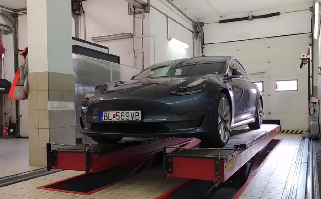Tesla po 100 tisic km