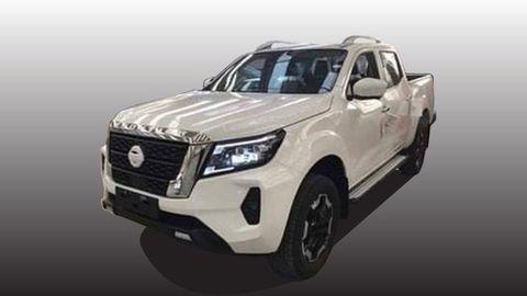 """Nový Nissan Navara 2021 ukázal tvár na """"uniknutých"""" záberoch"""