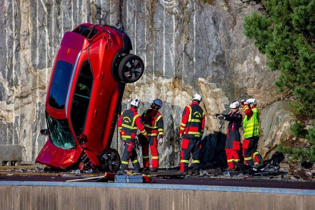 Volvo crash test video