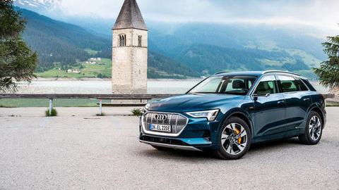 Audi vylepšilo e-tron. Ponúka dvojnásobný nabíjací výkon a viac komfortu