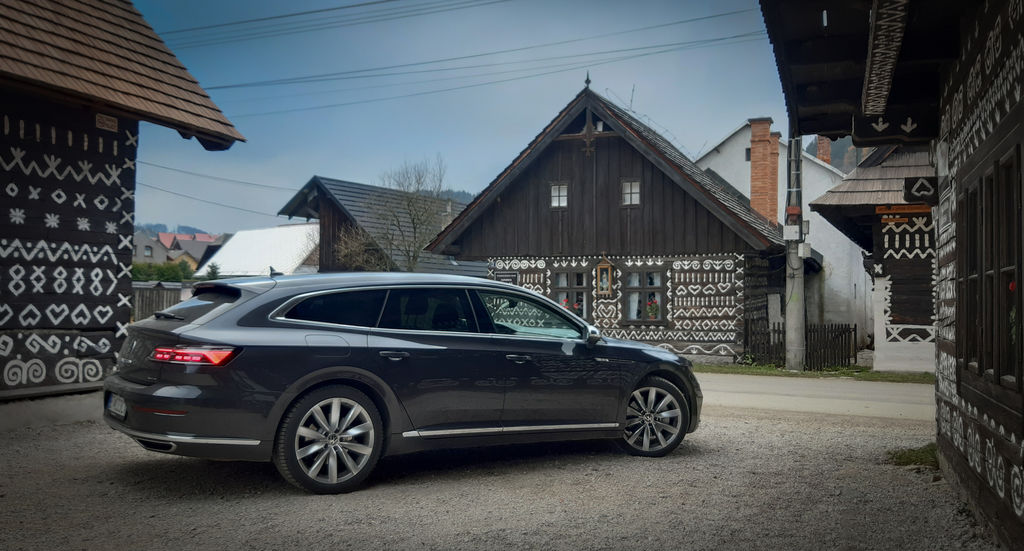 VW Arteon facelift test shooting brake