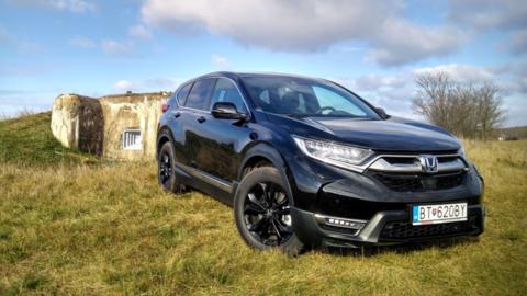 TEST Honda CR-V Sport Line 2.0 i-MMD: Stačí tak málo