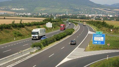 Česko zaviedlo elektronické diaľničné známky. Tu sú dôležité informácie
