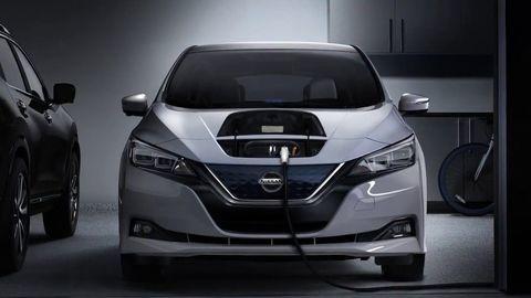 """Elektromobil: Hrozí kvôli elektromobilom nedostatok elektriny a """"blackout""""? (VIDEO)"""