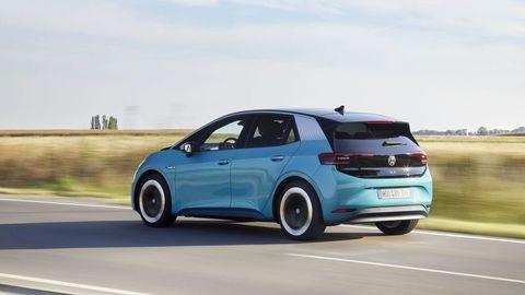 Volkswagen bilancuje. V roku 2020 strojnásobil predaj elektrických áut