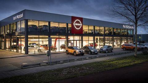 Európski predajcovia Nissanu menia logá. Takto nový dizajn vyzerá