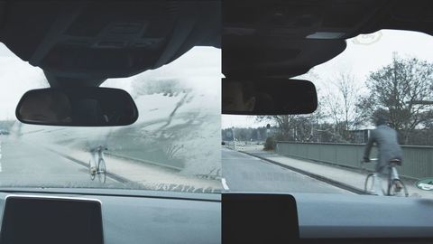 """Koniec zahmleným oknám: Ford nasadil automatickú """"meteorologickú stanicu"""""""