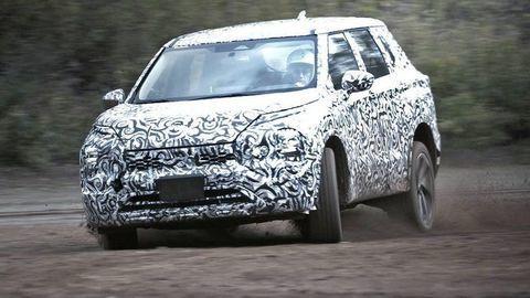 Nové Mitsubishi Outlander sa predvádza na videu pár týždňov pred premiérou