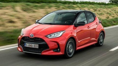 """Európskym Autom roka 2021 je Toyota Yaris. Porazila šesticu """"Európanov""""."""