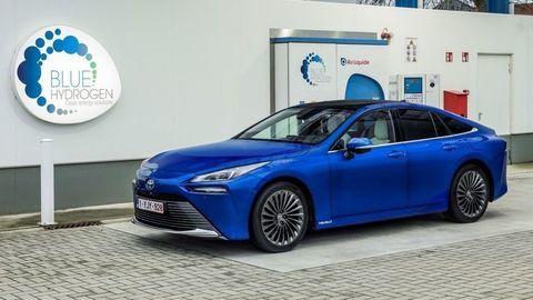 Vodíková Toyota Mirai je v predaji už aj na Slovensku. Poznáme ceny a ďalšie podrobnosti